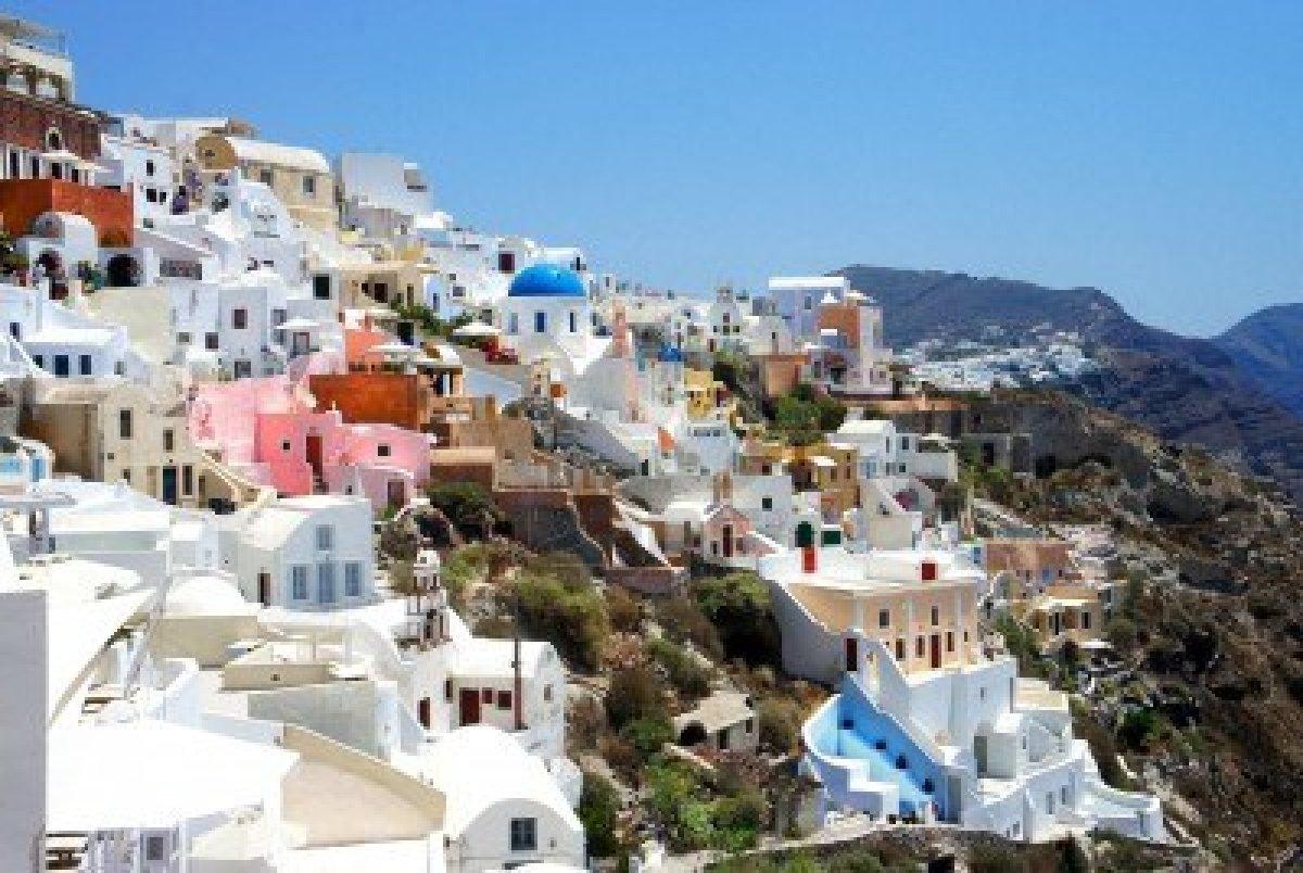13925931-amazing-white-houses-of-santorini