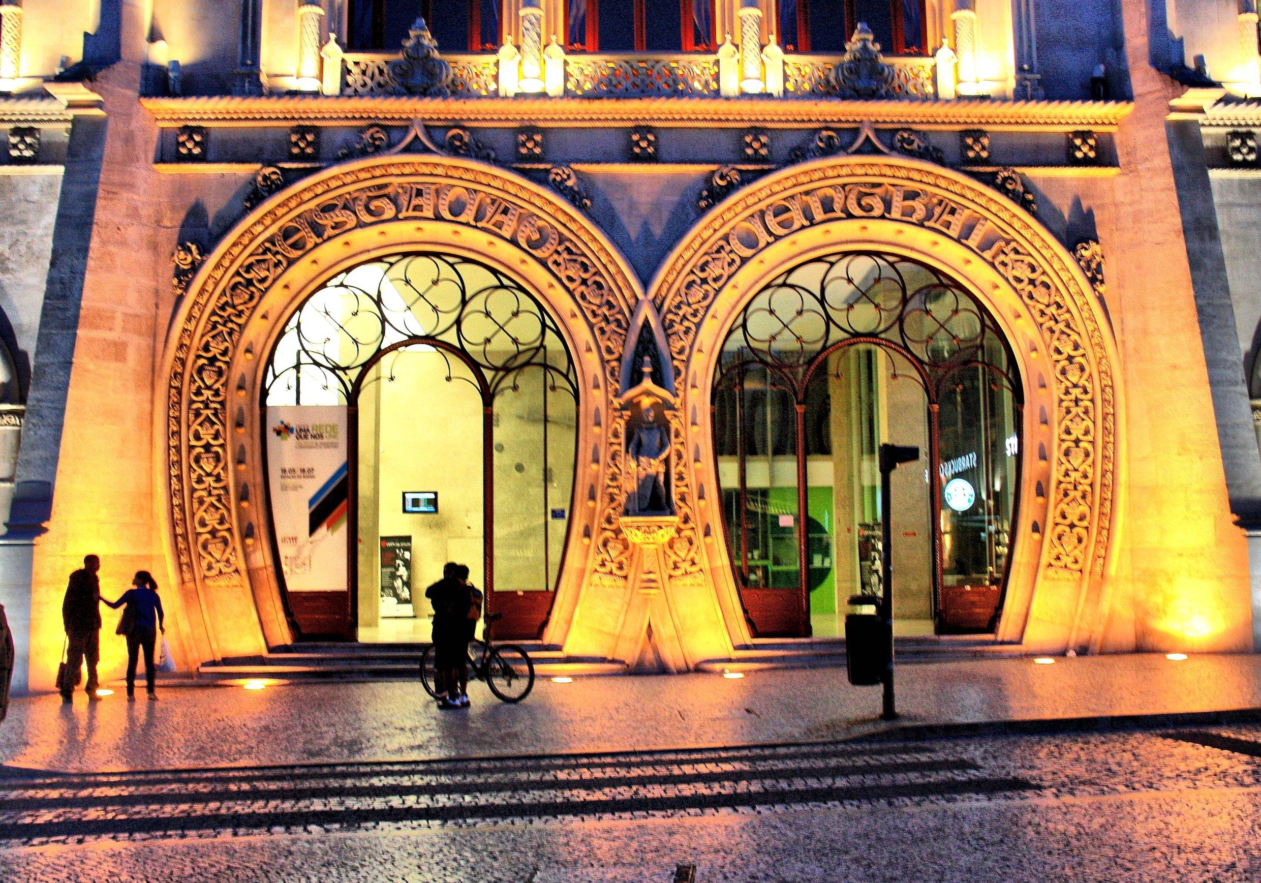 Lisbon_at_Night-Rossio_Station_(5282080792)